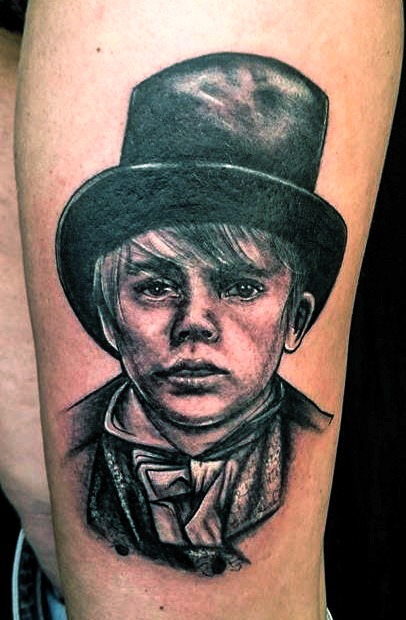 Sjaan-BlueTattoo-OliverTwist-arm