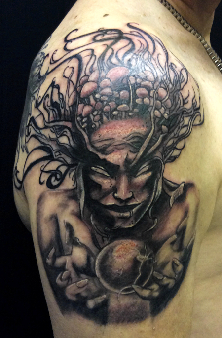 Sjaan-BlueTattoo-medusa-arm